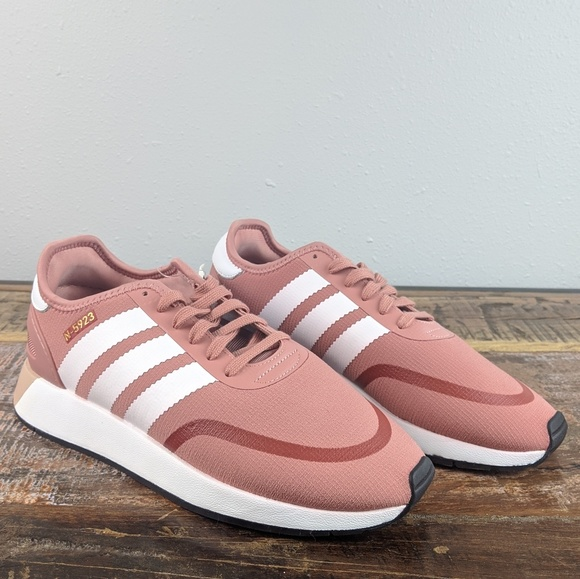 Robusto acortar Contradicción  adidas Shoes | Classic Styled N5823 Ash Pink Size 9 | Poshmark